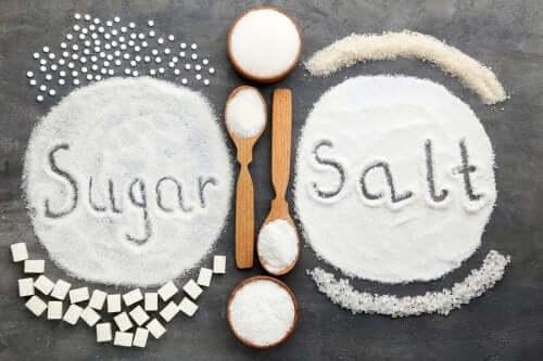 Cukier czy sól - co bardziej szkodzi w nadmiarze?