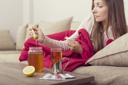 Lekarstwa na bazie miodu - poznaj trzy świetne receptury przeciwko grypie