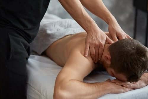 Masaże terapeutyczne: poznaj ich rodzaje i zalety