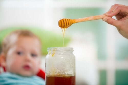 Dzieci nie mogą jeść miodu - czy wiesz, dlaczego?