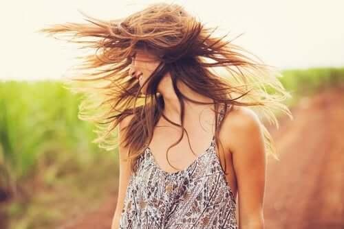 Glinka i olej kokosowy - poznaj wspaniałą maseczkę na ożywienie włosów