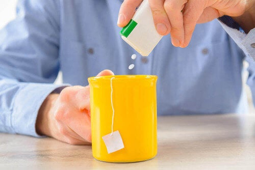 Słodziki dodawane do napojów, a napoje bez cukru