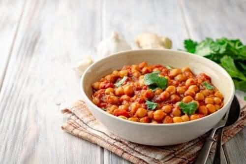 Curry z ciecierzycą - jak przygotować to pyszne danie?