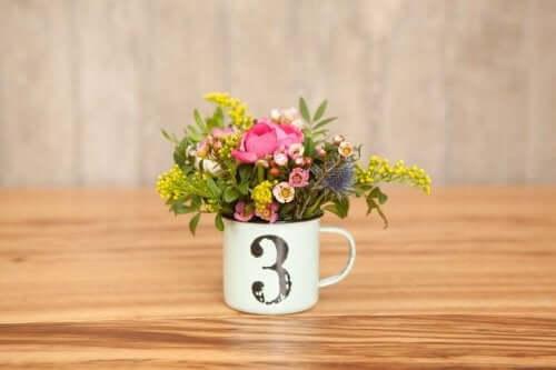 Kwiaty w kubku