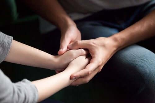 Jak pokazać partnerowi, że Ci zależy - poznaj 5 skutecznych sposobów