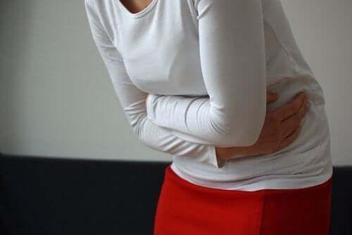 Bóle jajników podczas menopauzy - co warto o nich wiedzieć?
