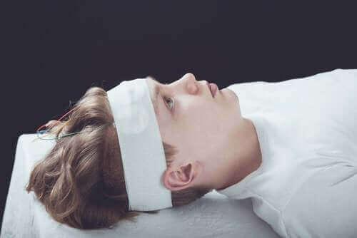 Wstrząśnienie mózgu: objawy, diagnoza i leczenie