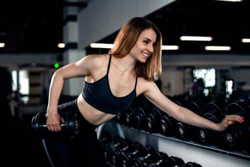 Wzmocnienie tricepsa - poznaj najlepsze ćwiczenia
