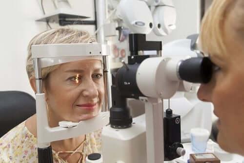 Wysokie ciśnienie w oku: przyczyny i leczenie