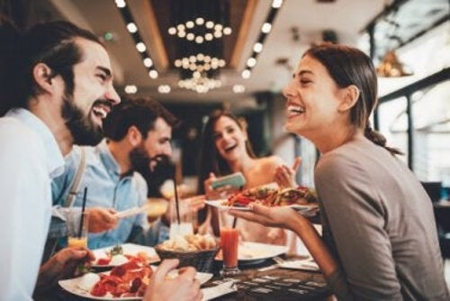 Jeść poza domem bez obaw o wagę?