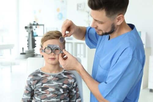 Problemy ze wzrokiem u dzieci: jak je wykryć?