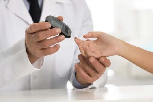 Hiperglikemia - czym jest i jak do niej dochodzi?