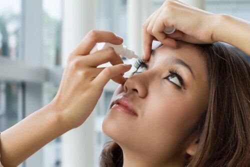 Krople do leczenia zapalenia błony naczyniowej oka