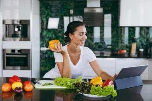 Czy pomijanie kolacji pomaga nam schudnąć?
