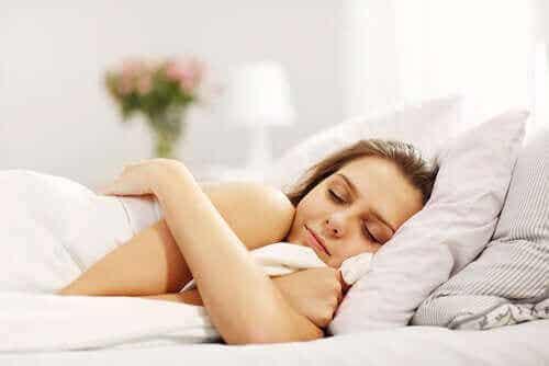 Poznaj godziny snu w odniesieniu do wieku