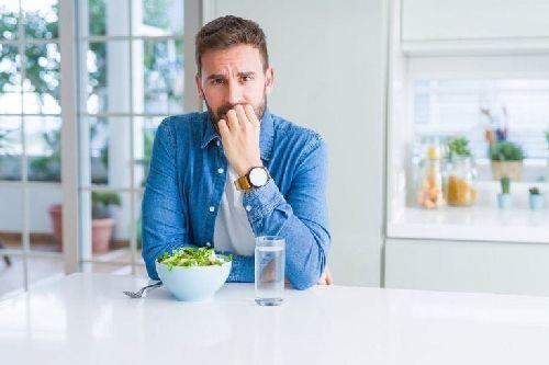 Jak jeść mniej podczas okresu przymusowego odosobnienia?
