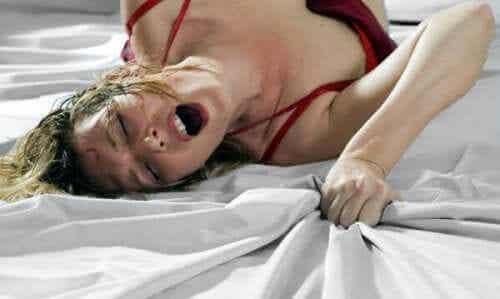 Orgazm totalny: na czym polega i jak go osiągnąć?