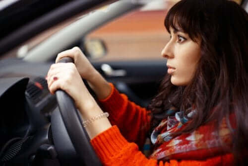Kobieta za kierownicą - leki wpływające na prowadzenie pojazdów