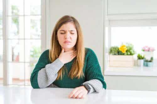 Podrażnienie gardła - jak je skutecznie złagodzić?