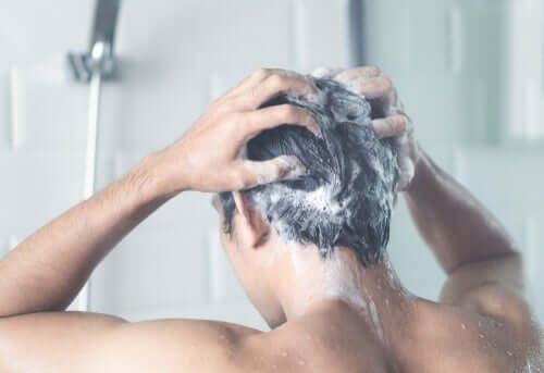 Czy powinniśmy codziennie brać prysznic podczas odsobnienia?