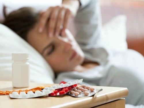 Sporo leków przy łóżku