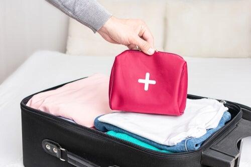 Apteczka podróżna - jak ją przygotować?