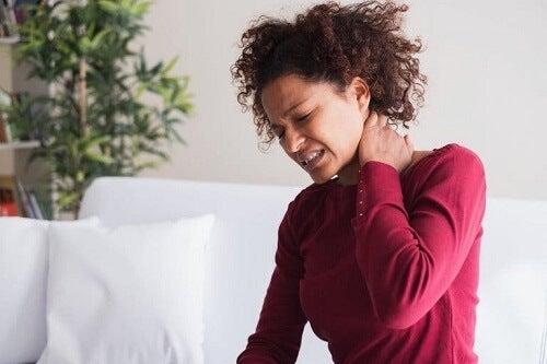 Jak zmniejszyć objawy fibromialgii: pięć nawyków