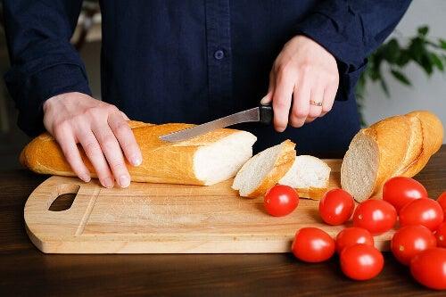 Czy chleb tuczy? Jaka jest prawda na ten temat?