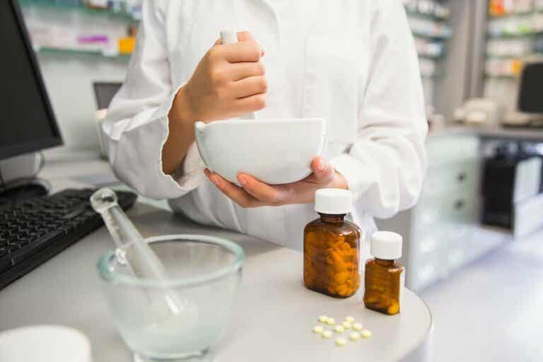 Rozdrabnianie leków - 6 istotnych zagrożeń