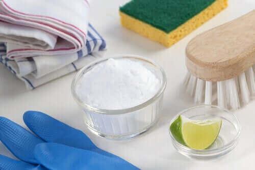 Ekologiczne środki czyszczące z sody oczyszczonej i cytryny