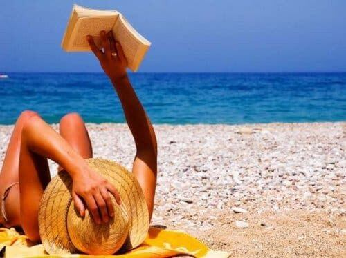 Kapelusz i plaża