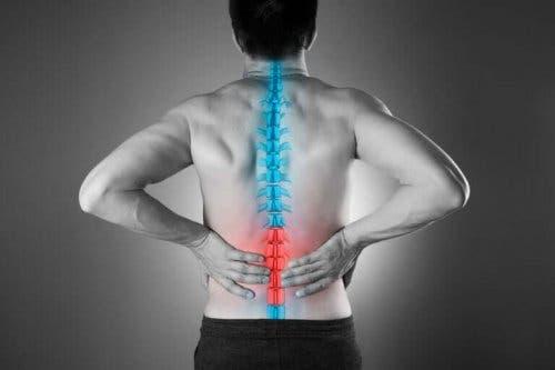 Jak zmniejszyć ból dolnej części pleców w naturalny sposób?