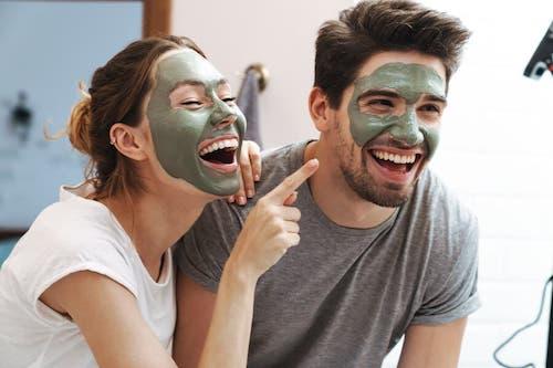 Skóra kobiety i skóra mężczyzny - czym się różnią?