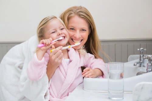 Wspólne mycie zębów