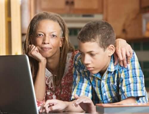 Edukacja domowa – kiedy warto ją rozpocząć?