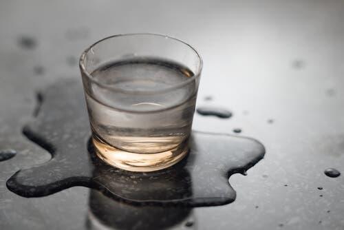 Szklanka z płynem