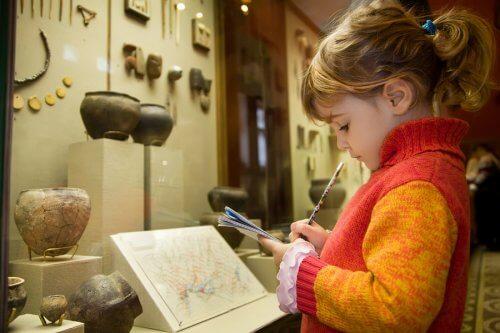 Z dzieckiem do muzeum? Dowiedz się, jak je zachęcić