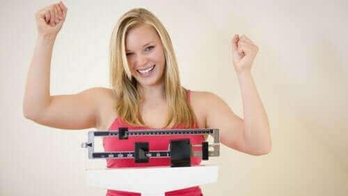 Kobieta na wadze - jak zapobiegać zawałowi serca?