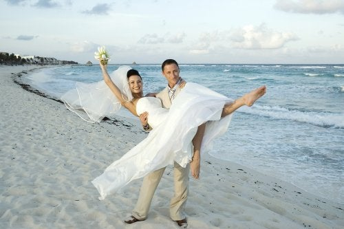 Para na plaży - miesiąc miodowy