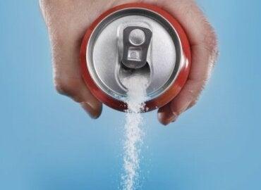 Napoje gazowane - dlaczego powinniśmy pić ich mniej?