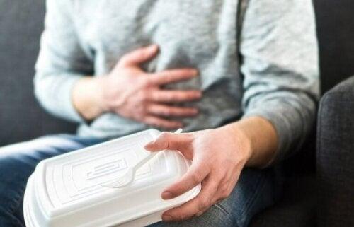 Refluks żołądkowo-przełykowy: jak uspokoić jego objawy?