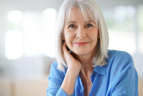Starość i białe włosy