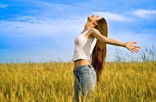 Miłość do samej siebie: 4 nawyki dla każdej kobiety