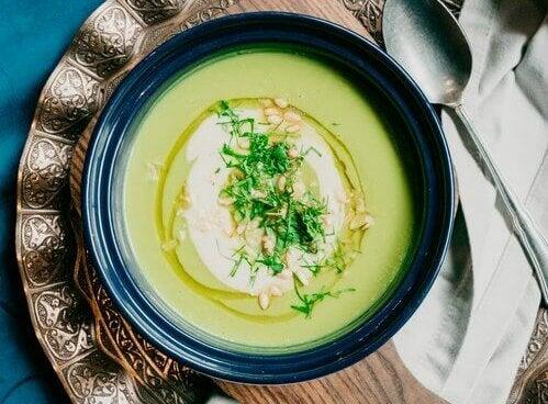 Zupa warzywna na zimno - 5 ciekawych przepisów