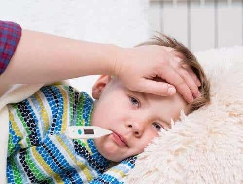 Choroba Kawasaki: objawy, przyczyny i leczenie
