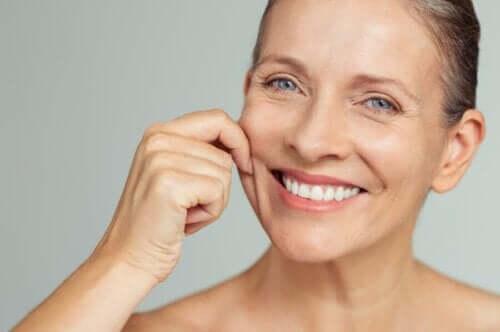 Błędy w pielęgnacji skóry, których należy unikać