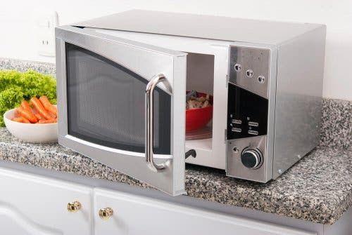 Nowoczesna kuchenka mikrofalowa pozwoli lepiej oszczędzać wodę i energię