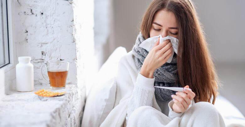 Czarny bez tradycyjnie stosowano na objawy grypy i przeziębienia.