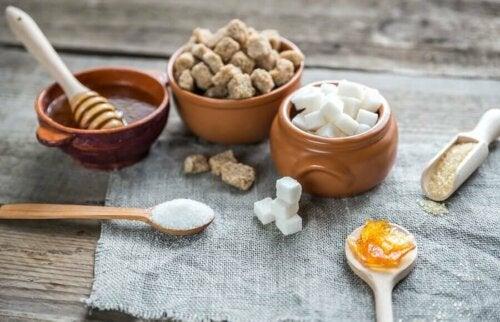 Cukry proste nie sycą i na dłuższą metę negatywnie wpływają na zdrowie.