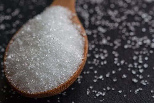 Cukier: siedem oznak wskazujących, że jesz go za dużo